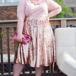 Dresses & Skirts - Rose gold sequin skirt